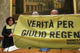 Giulio's mother demonstrating for truth in Rome