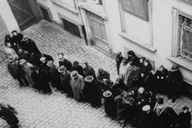 A group of Jews under arrest before deportation