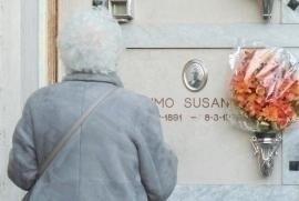 Senator Liliana Segre visits Susanna Aimo's tomb in Mondovì