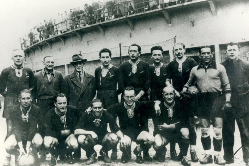Ferdinando Valletti and the football team