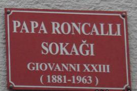 Street in Istanbul dedicated to Roncalli