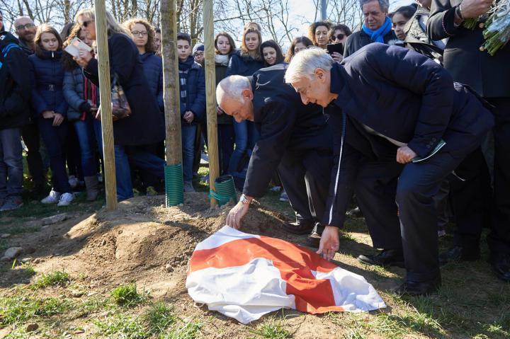 Mayor Pisapia unveils Mehmet Gelal Bey's stone with Pietro Kuciukian