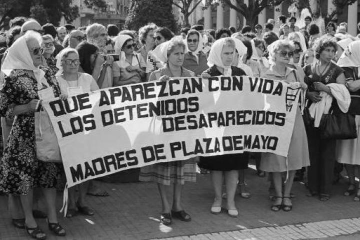 Madres de Plaza de Mayo - © Copyright Diario Popular