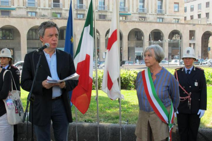 Nando Dalla Chiesa and the Mayor Marta Vincenzi at the garden's inauguration
