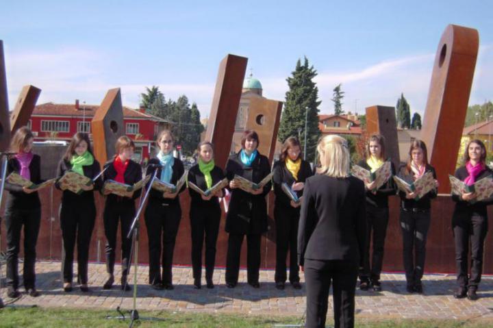 The choir Cesare Pollini and the choir Iris Ensemble