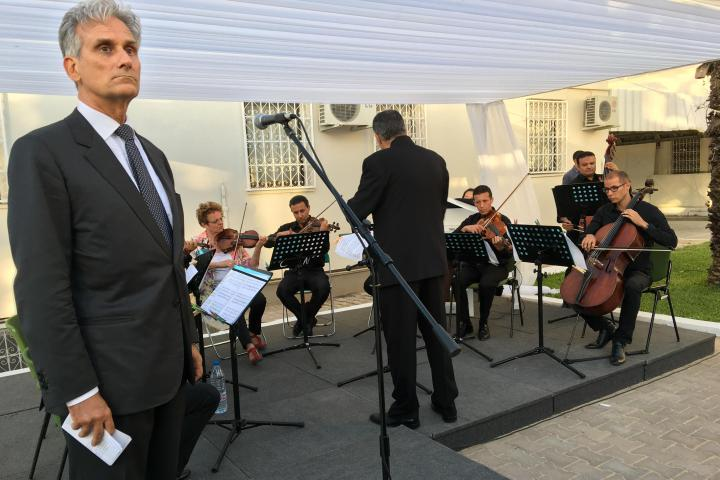 The orchestra plays the Marseilles, in memory of the Nizza' massacre