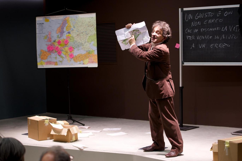 """2014 - Massimiliano Speziani in """"Il Memorioso"""" Theatrical Show at Milan Holocaust Memorial"""