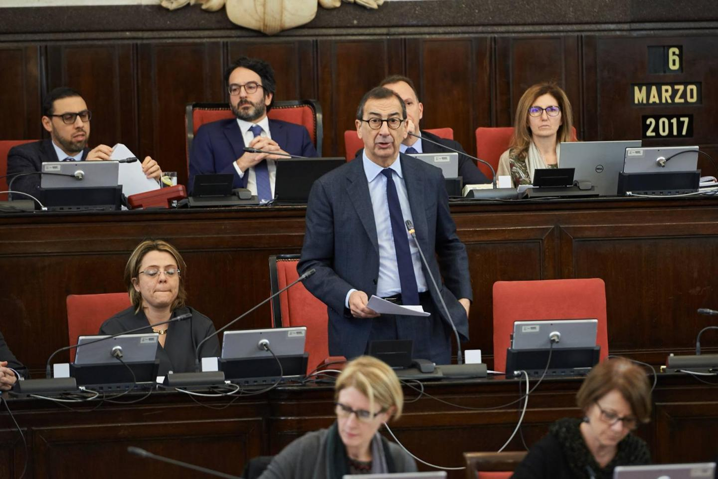 Mayor Sala honouring the Righteous in Milan City Council
