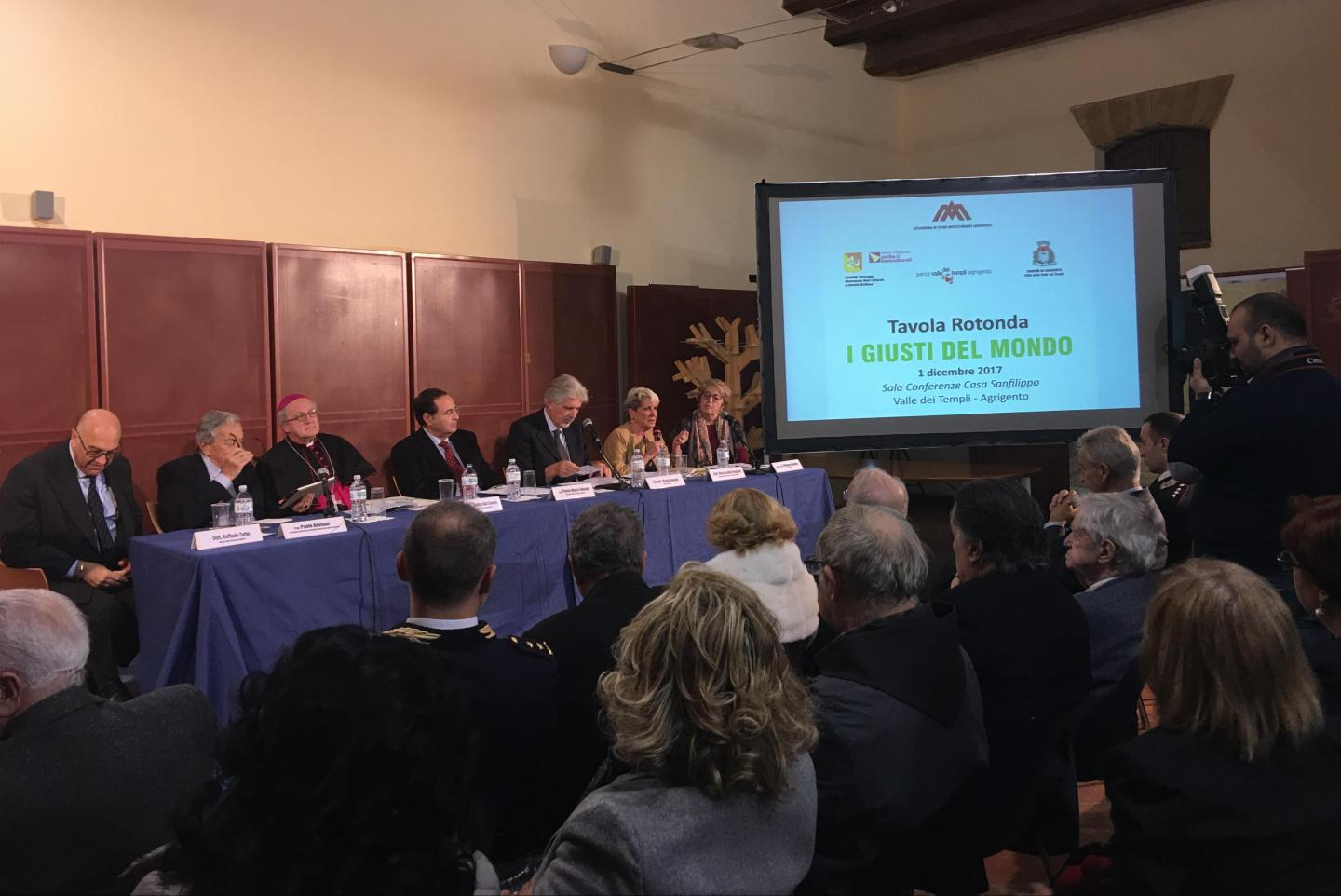 the speech of the journalist Maria Cecilia Sangiorgi at the Round Table