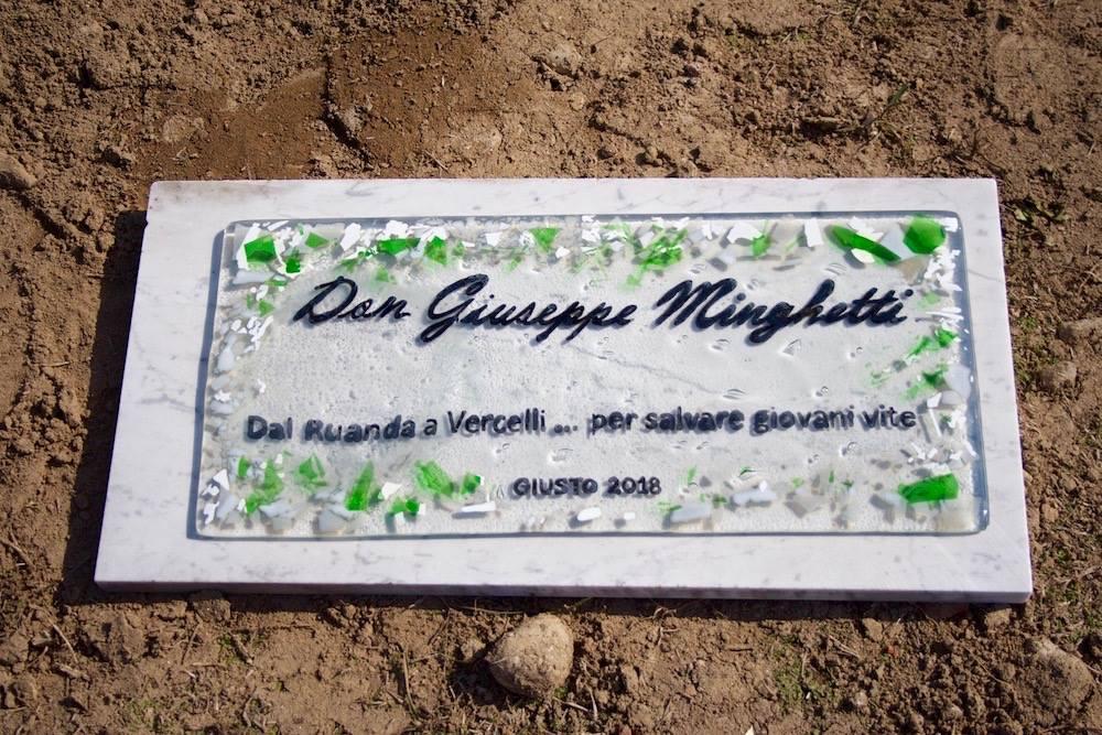 A Plaque for Don Giuseppe Minghetti in Vercelli
