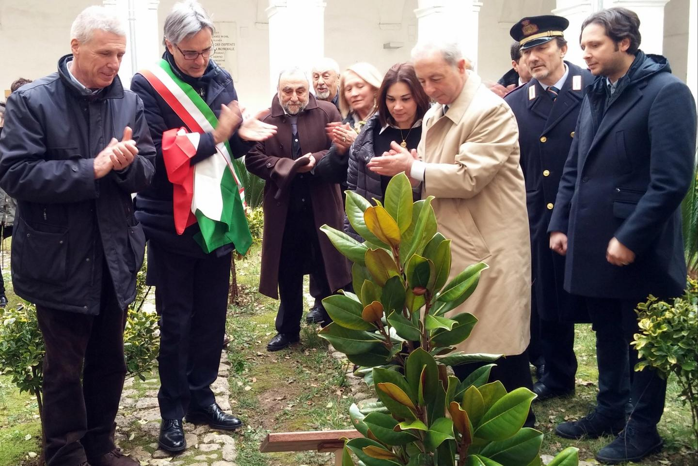 Inauguration of the Garden of the Righteous in Campagna. From the left: Franco Perlasca, the Mayor of Campagna Roberto Monaco, Professor Rossella De Luca and the Commissioner Pasquale Errico.