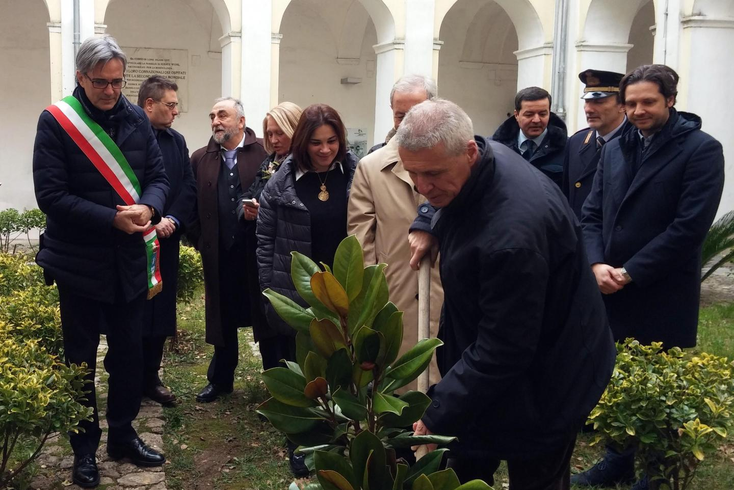 "Planting of a magnolia tree in honor of Giorgio Perlasca and Giovanni Palatucci. In the picture: Franco Perlasca, son of the Righteous and Chairman of the ""Giorgio Perlasca Foundation""."