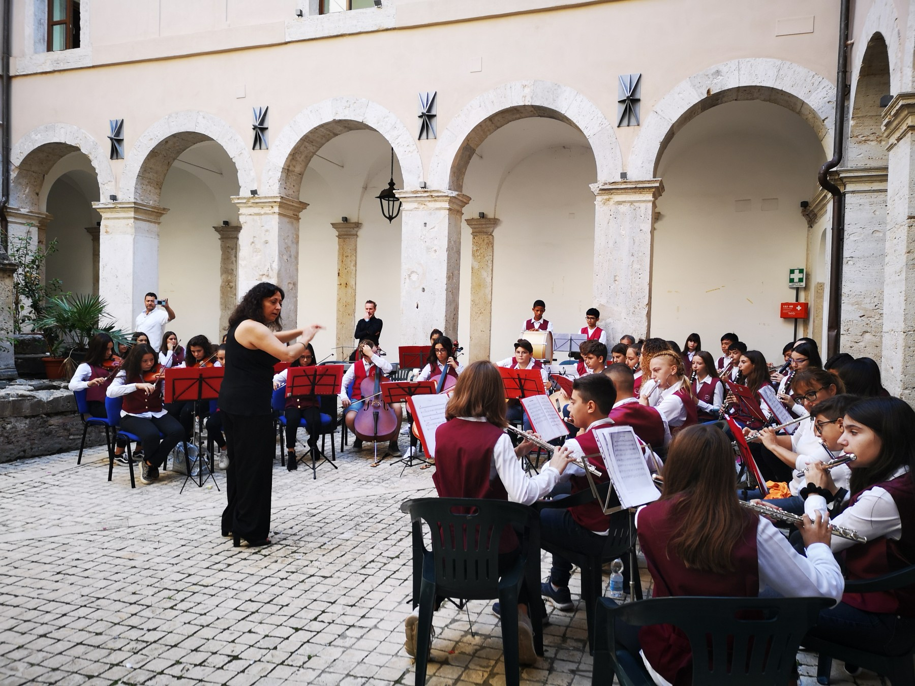 """The students of Institute A. Volpi have played the """"Hymn of Italy"""" and the """"Hymn to Joy"""""""