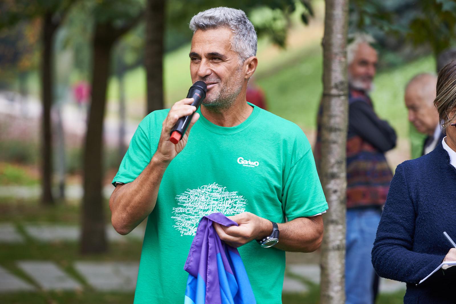 Ara Khatchadourian, runner for peace
