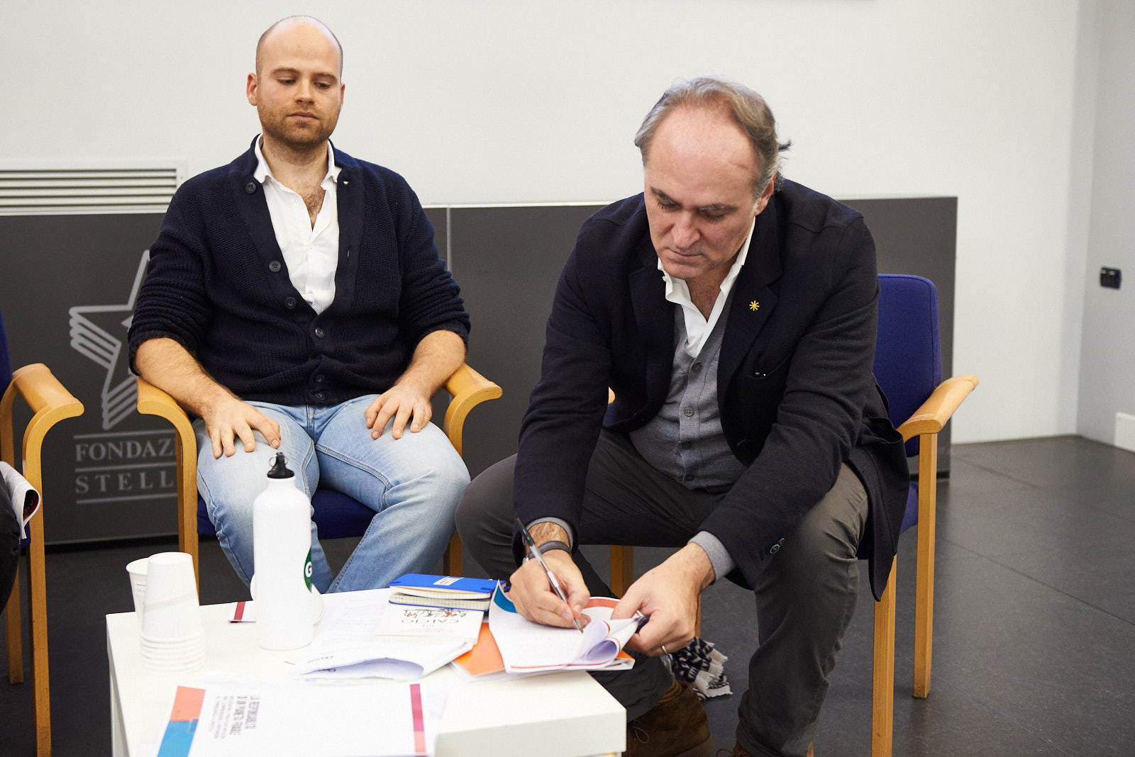 Massimiliano Castellani signs the Charter of sport