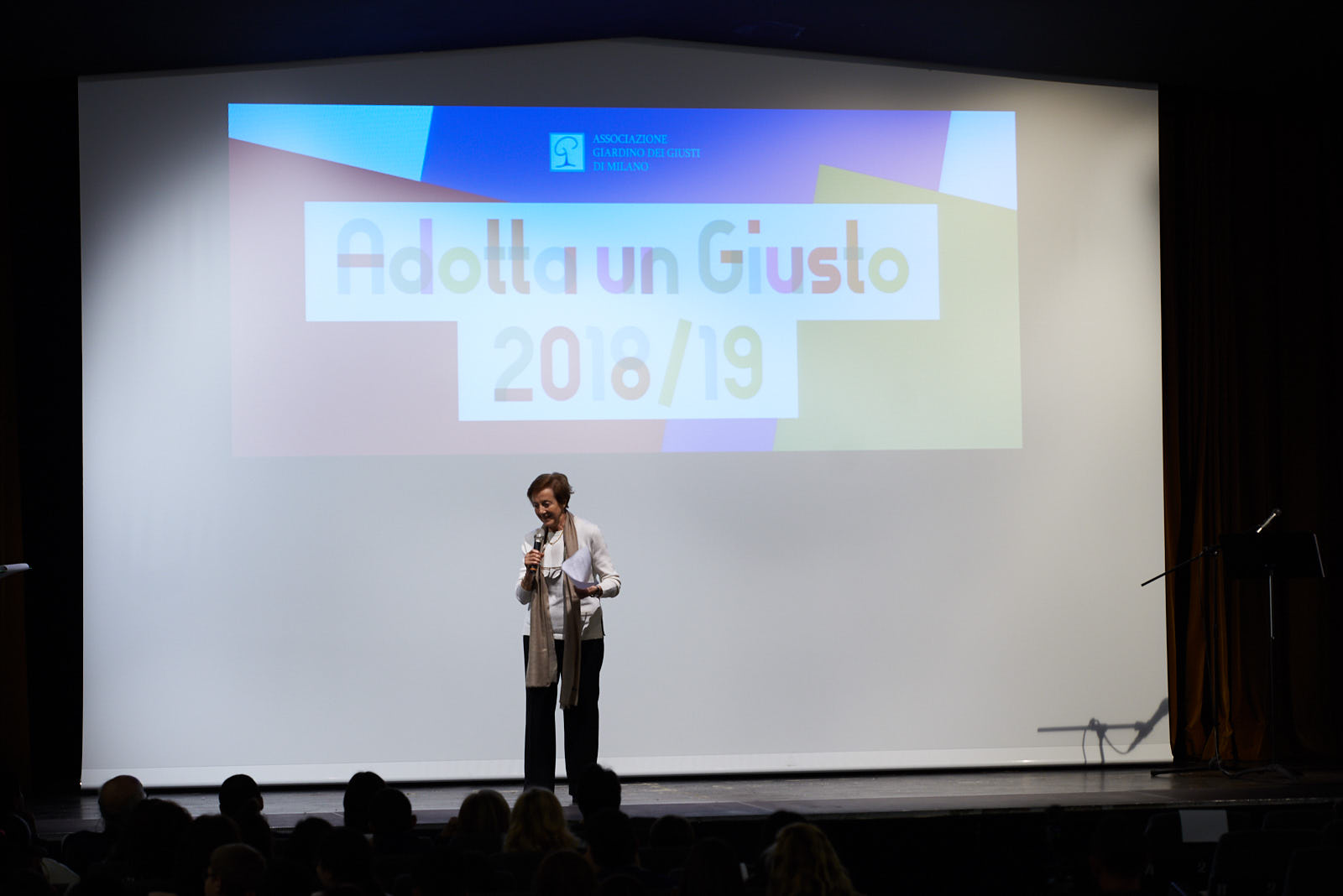 Anna Maria Samuelli, head of the Didactic Commission of Gariwo, thanks all the students who participated in the contest