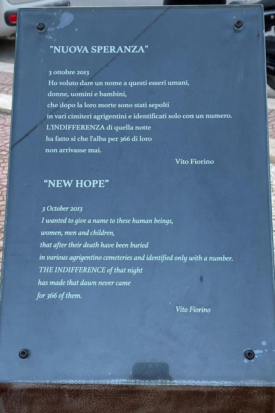 The plaque dedicated to those who have not been indifferent to the tragedy of migrants