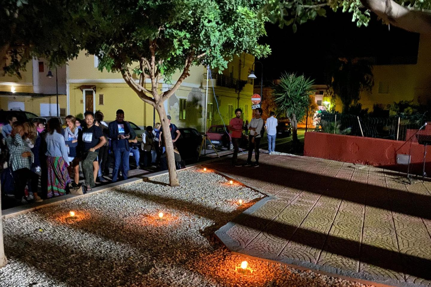 In the night between the 2 and  the 3  of October in Lampedusa, together to remember