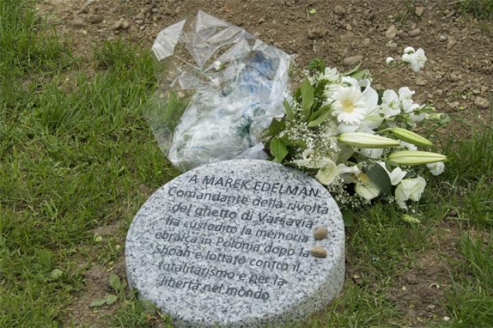 Marek Edelman's stone