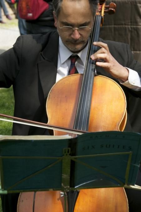 Guido Parma who performed music by Bruch, Bach, Popper and Bloch