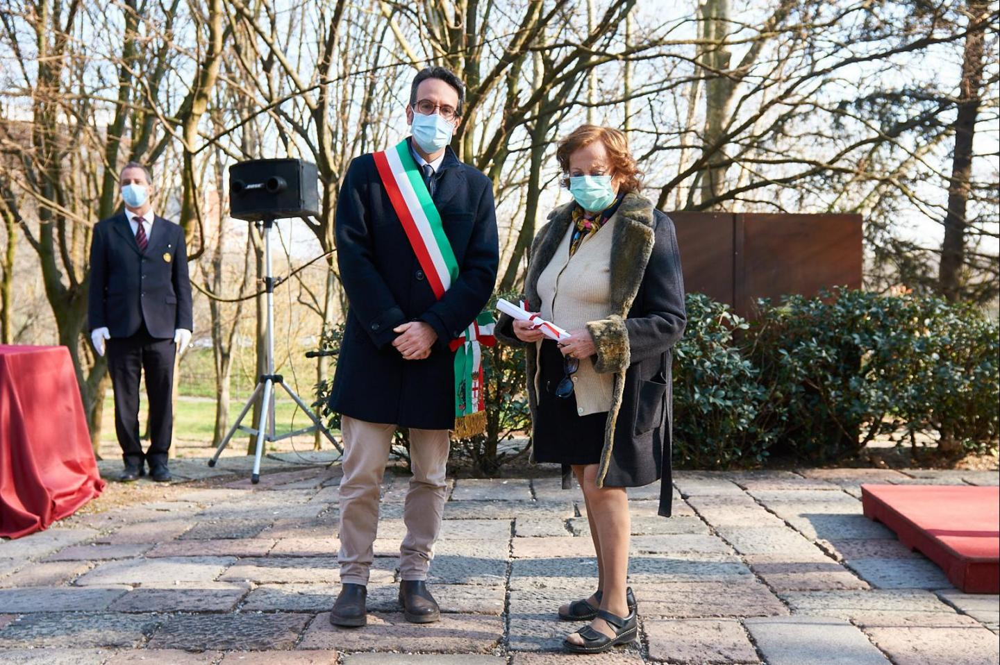 Lamberto Bertolé and Giovanna Gangi, wife of the Righteous Ivan Sopianac honoured together with the Sopianac family