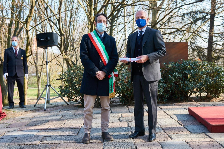 Lamberto Bertolé and Nicolò de Castiglioni, grandson of Maurizio Lazzaro de Castiglioni