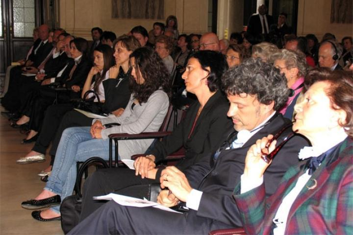 Dr. Picciotto, Professor Parsi, Consul Kuciukian with the relatives of the honored Righteous