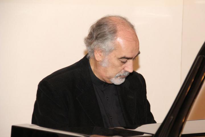 Music! Maestro!