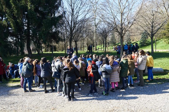 Guided tours of the students to the Garden, realized by the Gariwo Didactic Commission