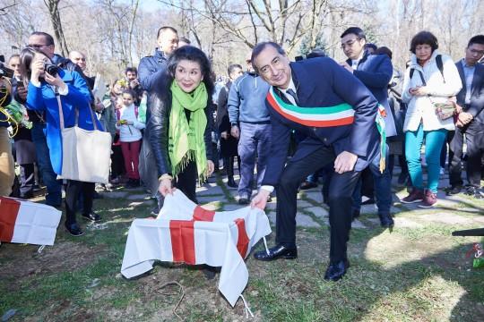 Ho Manli e Giuseppe Sala