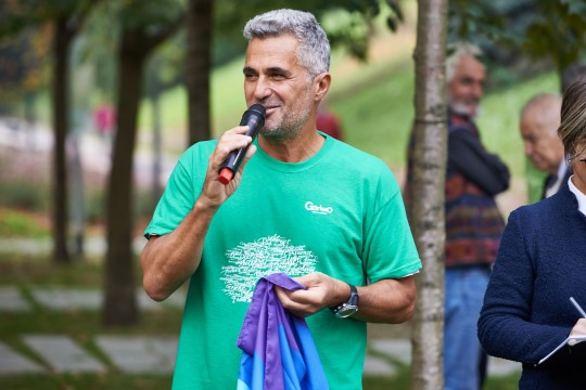 Ara Khatchadourian, runner for peace