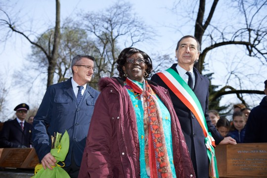 Rahab Wanjiru Mwatha with Giuseppe Sala